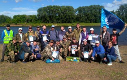 Победители чемпионата по рыбной ловле!